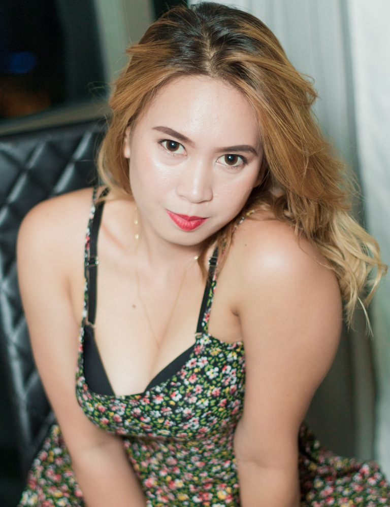Ayesha | Filipina Therapist | Tantric Massage