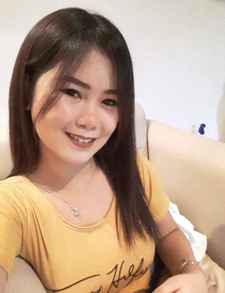 Loisa | Filipina Therapist | Tantric Massage