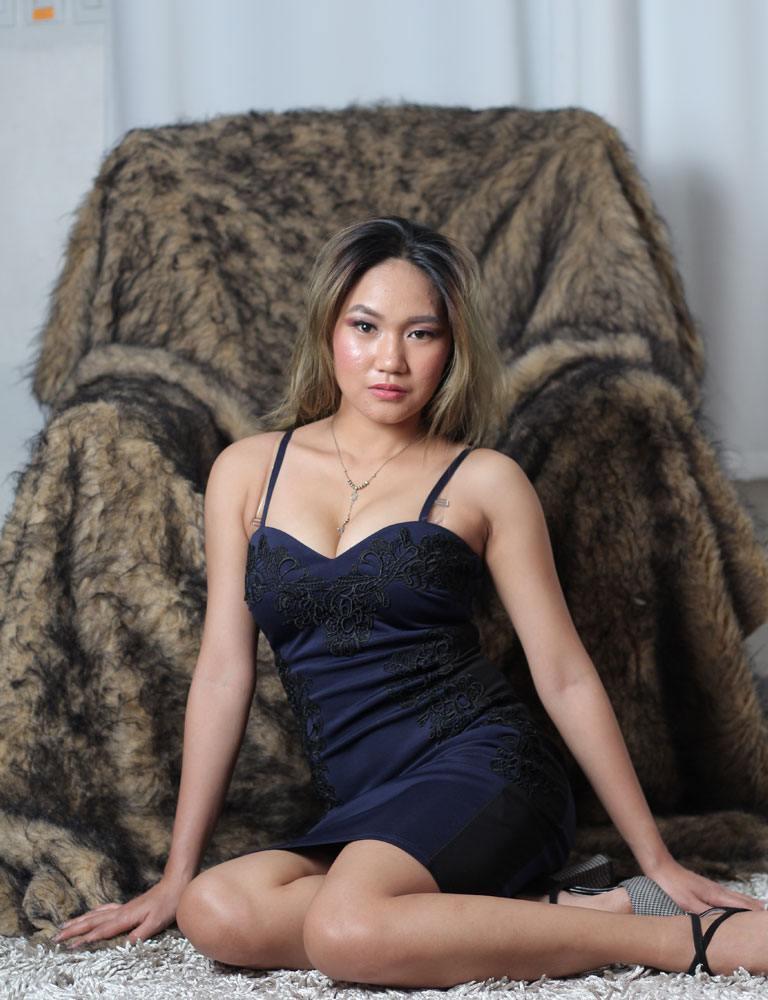 Yuna | Filipina Masseuse | Pleasure Massage
